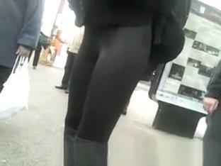 Teen in tight gloss leggings