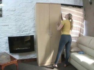 cleaning in leggings