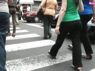 Great street candid cam video of a lush ass