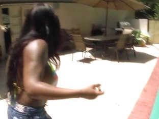 Ebony babe Jada Fire sucks huge white dong