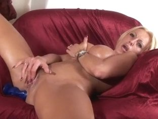 I fuck my favorite dildo in my amateur ass fuck video