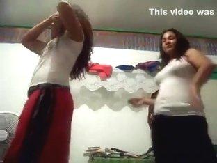 Most Excellent twerking livecam dance clip