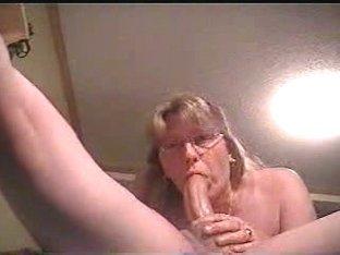 Pro girlfriend deepthroats her man.