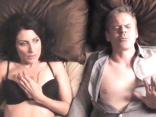 Girlfriends' Guide to Divorce S01E04 (2014) - Lisa Edelstein