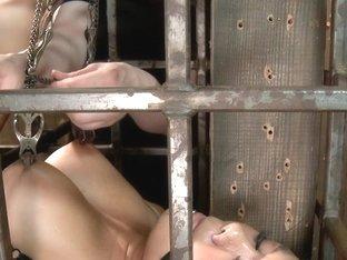 Annie Cruz - Bitch in Heat