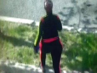 Street voyeur filmed a sexy bitch with nice butt