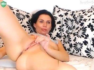 rozeamore masturbates