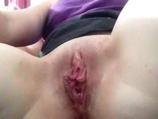 The wife plays with her pussy closeup on cam, while i jerk off.