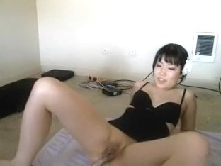Amateur webcam porn vid with me fucking a dildo