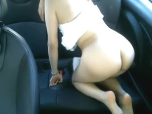 Diminutive Asian chick is horny