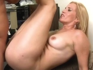 MilfHunter - Hot line