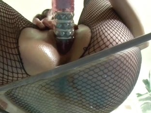 Slinky Evelyn Makes Masturbation Look Like Sheer Elegance