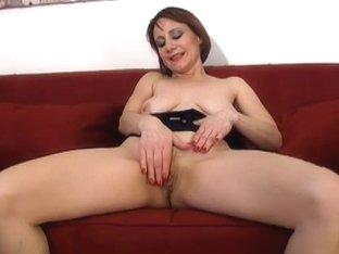 Video from AuntJudys: Tiffany