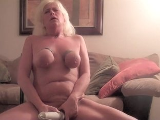 Aged thraldom doxy makes herself cum