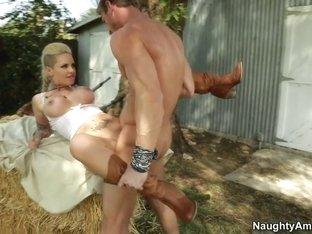 Christy Mack & Ryan Mclane in Naughty America