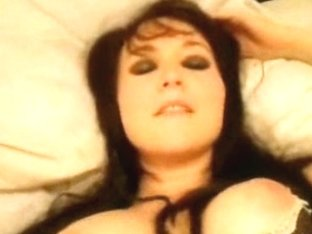 Emo hottie puts on sexy lingerie and fucks in the amateur porn