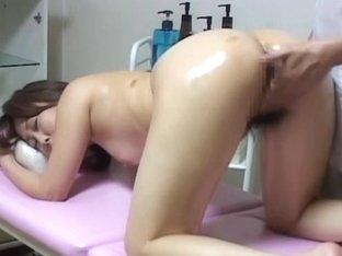 Spy cam captured a Japanese lady masturbated with a dildo