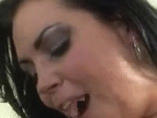 Curvy Latina MILF fucks and gets fucked