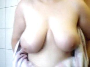 monique tits