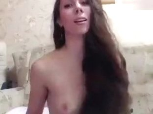 XxAlissaxx: naked brunette in free chat