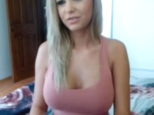 In my amateur blonde vid, I'm showing off with my boobs