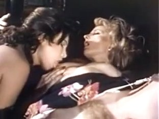 Laurie Smith & Anna Ventura - Lusty Limo Lift