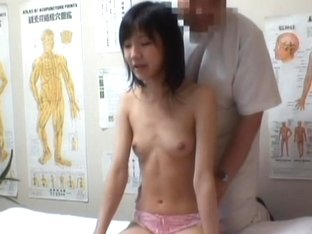 Massage sex cam shoots Asian convulsing from deep fisting