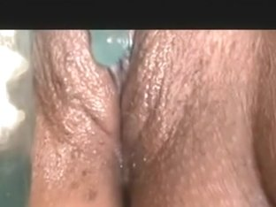Great close up toying action