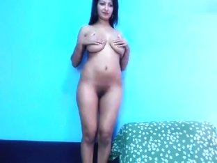 Naked bitch Wait4u dancing on the bed