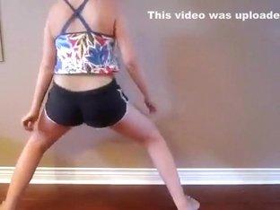 White Girl Twerk and Hip Roll (Booty Wurk)