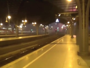 2 girls flashes and sucks on the trainstation