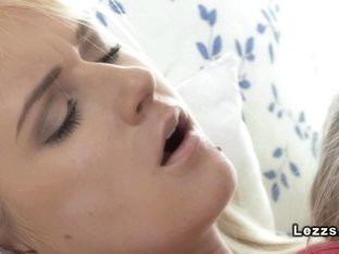 Blonde lesbian pussy lickers in morning oral sex