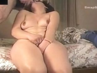 That Babe cums when that guy cums in her face hole