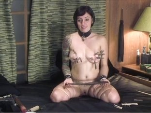 Tattooed brunette masturbates for me
