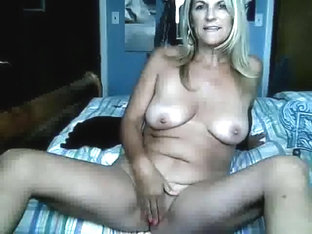 GOLDEN-HAIRED mature I'd like to fuck