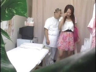 Cute Japanese babe gets a hot erotic massage with fingering