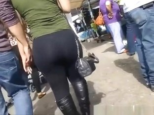 Big ass woman in black leggings
