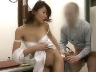 Incredible Japanese slut Yuki Natsume, Kana Oohori, Shizuka Kanno in Horny Nurse/Naasu JAV clip