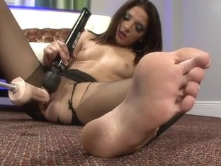 PantyhosePops Video: Evilyn Fierce