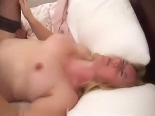 Wife getting her pink pussy licked
