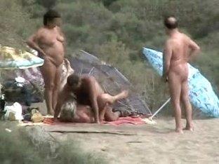 Ourdoor swinger sex in public caught on web camera