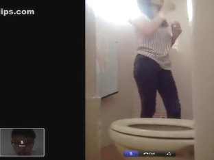 hot girl uses toilet voyeur