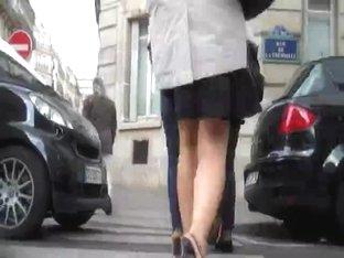 Jolie Blonde Jeans Ass