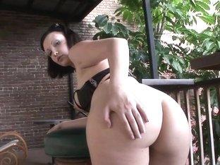 SpringBreakLife Video: Emo Girl Gets Naked