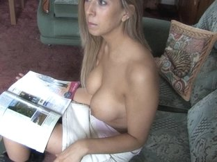 Gorgeous busty babe shows her melons in down blouse video
