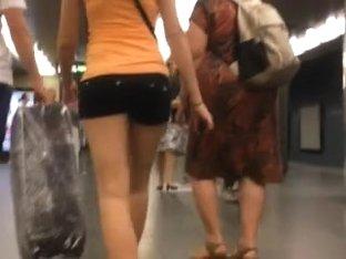 Hawt Arse on Metro