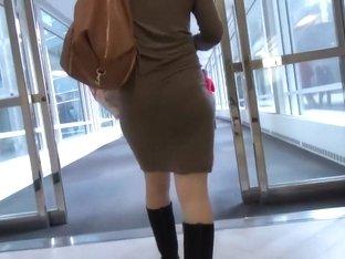 Young milf got super sexy panties