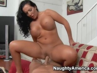 Richelle Ryan & Christian in House Wife 1 on 1