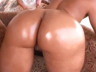 Ms. Juicy Got A Wet Ass
