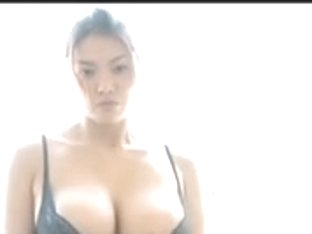 Sexy Oriental Woman Hitomi Aizawa Acquires Juicy